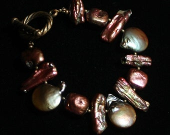 Copper colored, pepper shaped pearl bracelet