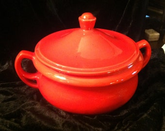 Beautiful red USA pottery number 329 bowl with a lid