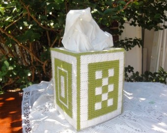 Hand made Tissue Box, Knitted/ Crocheted
