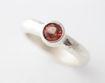 Oregon Sunstone Ring Set in Hammered Sterling Silver, Stacking Ring with Great Peachy Red Stone