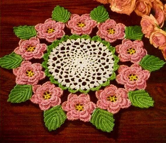 Tapete Rose Cristina Luriko : Crochet Rose Doily Pattern