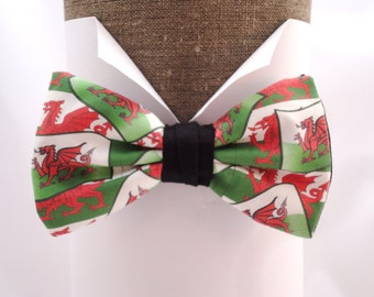 "Welsh dragon pre tied bow tie, will fit neck size up to 20"" (50cms)"