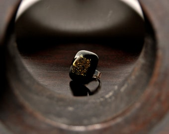 Ethnic style fused glass ring