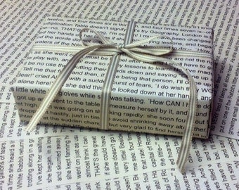 6 x Sheets of Literature Wrapping Paper in Cream A3 Size - Alice in Wonderland Text - Books