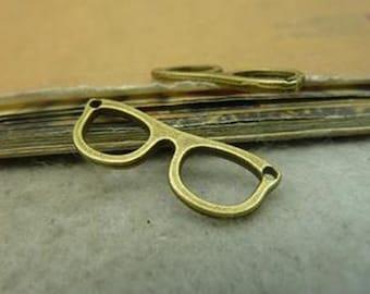 30pcs 10x28mm Antique Bronze Lovely Filigree Eyeglasses Charms Pendant c4681