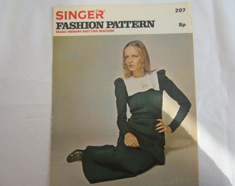 Vintage 1970s 'Twiggy Exclusive' Singer Machine Knitting Pattern for Skirt and Tunic