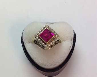 Vintage 14k Yellow and White Gold Art Deco Filigree Ring