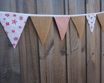 Rustic Burlap and Cotton Christmas Bunting. Hanging christmas decorations.
