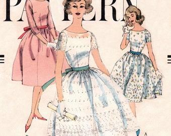 Vogue 1618 Scoop Necked Party Dress 1956 / SZ11 COMPLETE