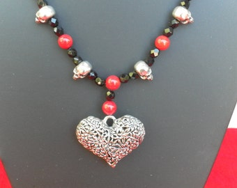 Gothic necklace with heart