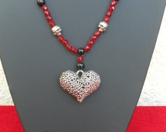 Necklace Gothic red heart