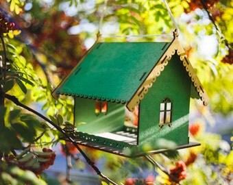 Mangeoire d'oiseaux / oiseaux mangeoire house / bois / décoration de jardin / suspendre mangeoire à oiseaux / oiseaux conçu / wooden house / la main à la main