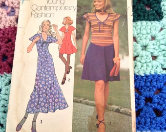 Vintage Sewing Dress Pattern. 1971 Simplicity 9765 Young Contemporary Fashion. Miss Size 8-16. Skirt: Mini/Maxi/Gibson. Handmade. Groovy.