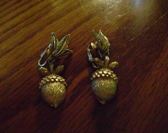 vintage ACORN EARRINGS vintage thanksgiving jewelry vintage costume jewelry