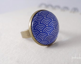 Ring with blue print Japanese waves pattern >> Valentine's Day gift for girl