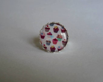 Adjustable ring cabochon 20mm cupcake