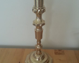 solid brass metal candle holder ornament-gold colour.