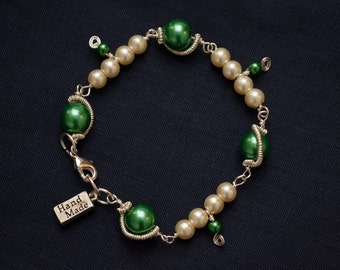 Spring Green and Ivory Pearlescent Bracelet