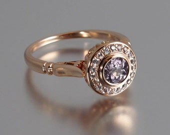 Engagement Ring THE SECRET DELIGHT 14k rose gold Spinel with diamond halo