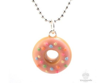 Scented Donut Necklace, Strawberry Donut Necklace, Food Jewelry, Donut Jewelry, Kawaii Necklace, Polymer Clay Food Jewelry, Doughnut Jewelry