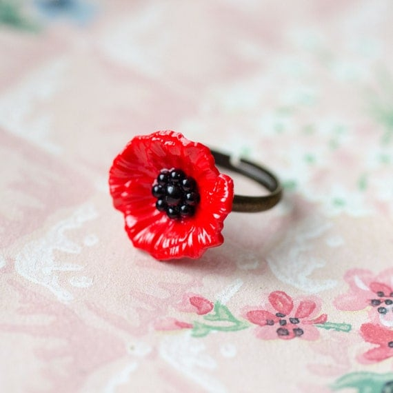 Poppy Ring, Red Flower, Adjustable Ring, Gift for Gardener, Floral Ring, Remembrance Poppy, Wildflower Jewelry, Country Wedding