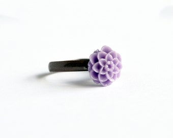 Lavender purple dahlia flower delicate adjustable ring