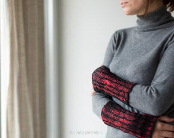 Felted wrist warmers Woolen fingerless gloves in red and black Carmen style gloves Wristlets Elegant wool gloves Hand warmers