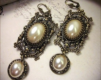 Cream Pearl Earrings, Renaissance Jewelry, Ivory, Gothic Cathedral, Medieval Costume, Tudor Wedding, Bridal Accessories, Bridesmaids, Queen