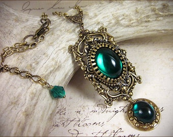 Medieval Necklace, Emerald Jewel, Renaissance Costume, Pendant, Green Jewelry, Ren Faire Bride, Bridesmaid, Tudor Garb, Borgias, GothCath