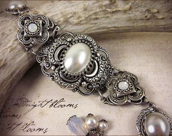 Medieval Bracelet, White Pearl Jewel, Renaissance Jewelry, Bridal Jewelry, Tudor Jewelry, Ren Faire, SCA, Wedding, Choose Your Color, Finish