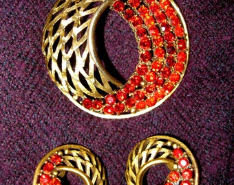 1960s Signed Red Rhinestone Brooch & Earrings Set - J.J. - Demi Parure