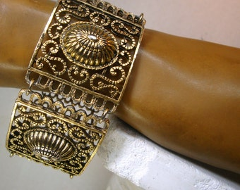 Medieval Gold Filigree Link Bracelet, Classic and Timeless Design in Oxidized Gold  Ornate Shiny Metal 1980s