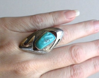 Native American Indian Large Sterling Silver Ring with Turquoise Stone - Modernist Ring - US Size 6 1/4