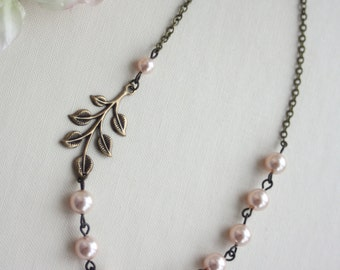 Bridesmaids Jewelry. Wedding Jewelry. Bridesmaids Necklace. Peach Pearl, Leaf Jewelry. Bridesmaids Gift. Leaf and Ivory Pearl. Peach Wedding