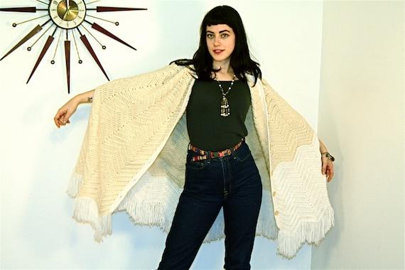 Long Fringe Poncho Vintage 70s Stevie Nicks Cape Cable Knit Sweater Wrap Neutral Nude Chevron Knee Length Boho Hippie 1970s Bohemian Poncho