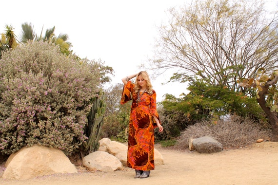 Vintage 70s PSYCHEDELIC Butterfly Sleeve MAXI Dress M
