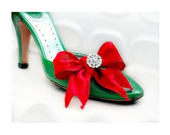 Red Velvet Bow Sparkly Crystals Shoe Clips Set. Bride Bridal Bridesmaid Big Day, Stylish Couture Chic Shoes, Classy Classic Fun Fashionista