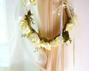 White bridal flower crown, white flower crown, wedding hair accessories, wedding flower wreath,silk flower headband