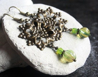 Green Melon-Shaped Czech Glass Bead Earrings - A.552