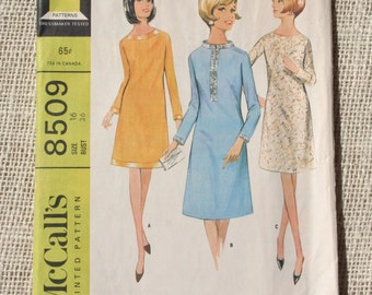 Vintage Dress Pattern McCall's Pattern 8509 Size 16 Bust 36 Misses 1960s