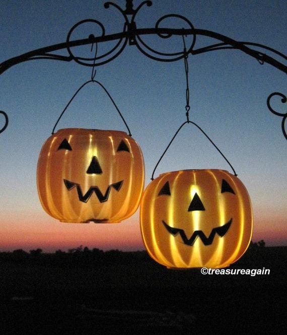 items similar to 2 pumpkin solar lights halloween lanterns outdoor fall lighting garden stake. Black Bedroom Furniture Sets. Home Design Ideas