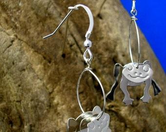 Silver Frog earrings, 3D Frog Earrings, Sterling Silver Earrings, Frog Jewellery, Handmade.