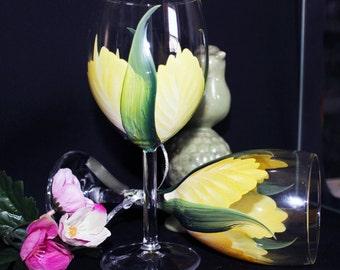Stemware Hand Painted, Hand Painted wine glass, Wedding Drinkware, Shower gift Set of ( 2)