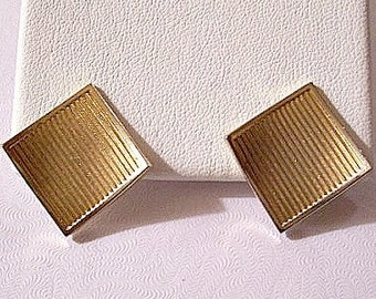 Blowing Lined Square Pierced Earrings Gold Tone Vintage Discs Fine Deep Ribbed Curved Edges