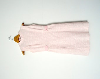 1960s pale pink textured shift dress / small / medium