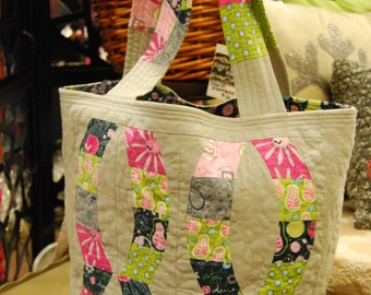 Fabulously funky INFINITY design Tote - Super fun fabrics and fabulous quilting - Ready to SHIP!