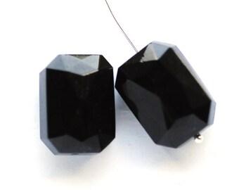 BEADS - 18x13mm Octagon Beads Octagon Glass Jet Black Beads, 18x13 Octagon beads, Black Octagon Beads, (E2-R1-C5), Quantity 2