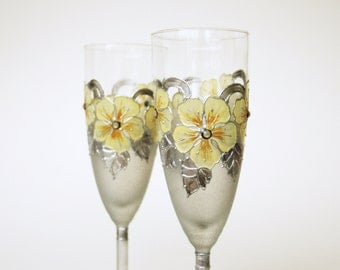 Champagne Flute, Wedding Glasses, Wedding Flute, HAND PAINTED, Yellow Grey Wedding. set of 2