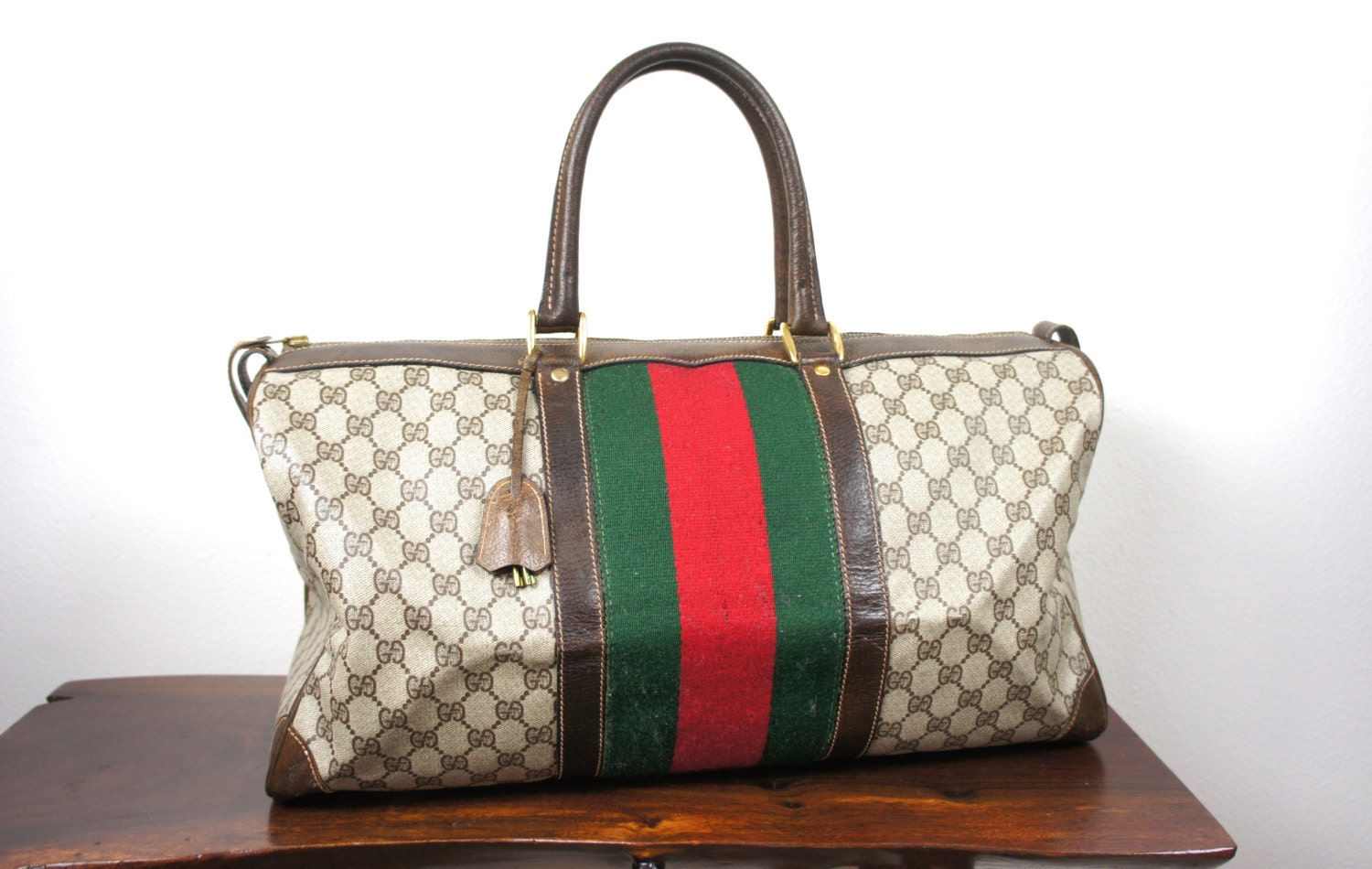 Gucci Bag Red And Green Strap