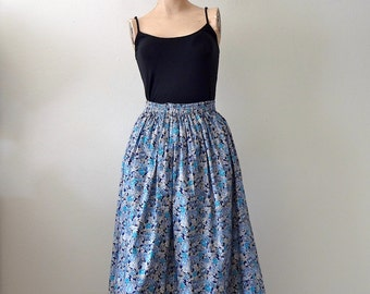 Floral Print Skirt / cotton full skirt / vintage spring & summer fashion / XS S